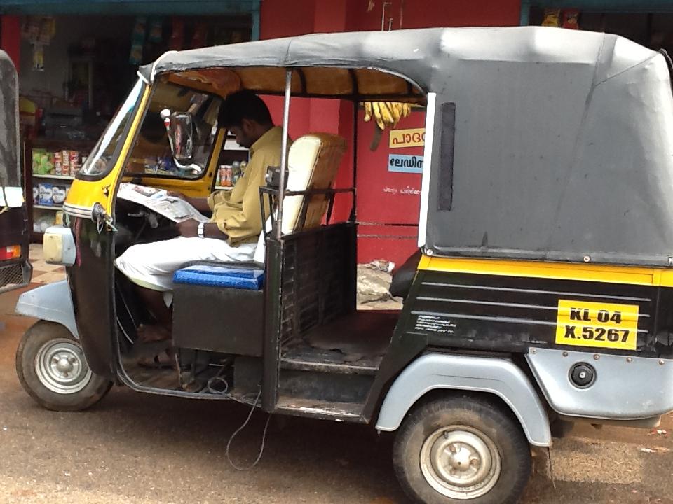 Die Auto-Rikscha, das Nahverkehrs-Transportmittel der Inder