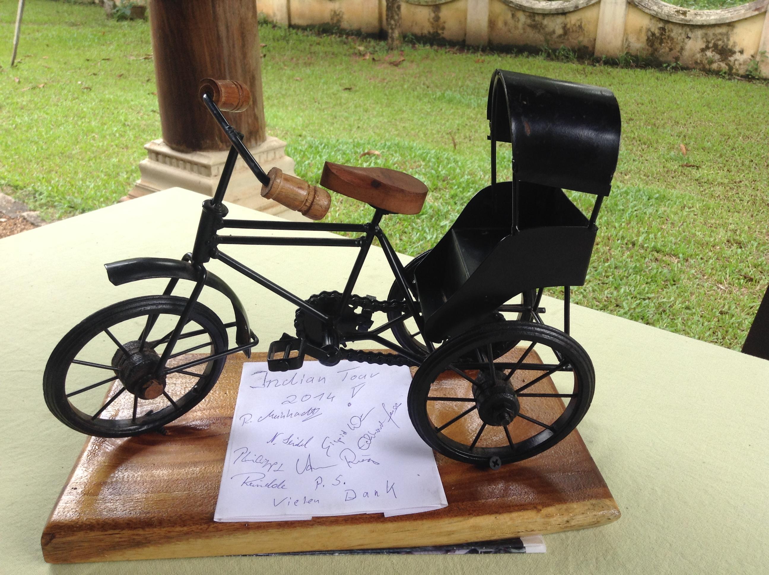 Fahrradmodell mit Dankeskarte