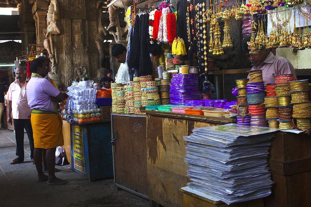 Trubel Tempel Tee und mehr - Bunter Marktstand